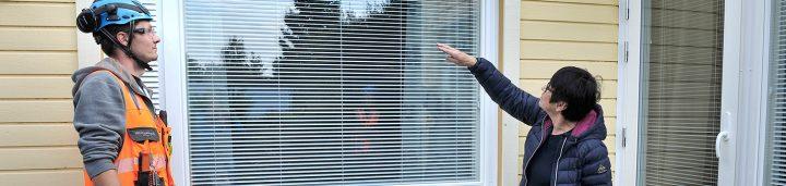 Ikkunaremontti taloyhtiössä sujuu aikataulussa ja budjetissa, kun taloyhtiön ikkunaremontti on suunniteltu ja toteutettu ammattilaisen toimista.