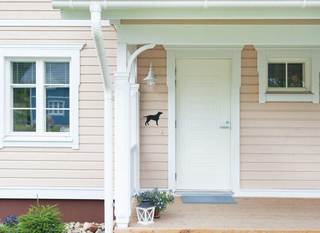 Oviremontti voidaan toteuttaa myös yhdessä ikkunaremontin kanssa.
