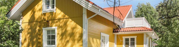 Ikkunoiden vaihto vanhaan taloon toi talolle uutta ilmettä.
